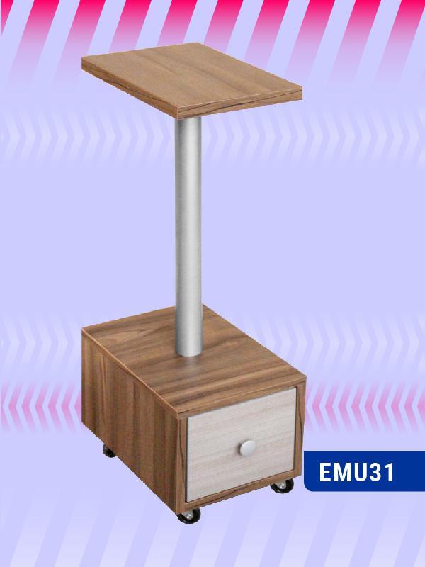 EMU31-Manicure-Iris