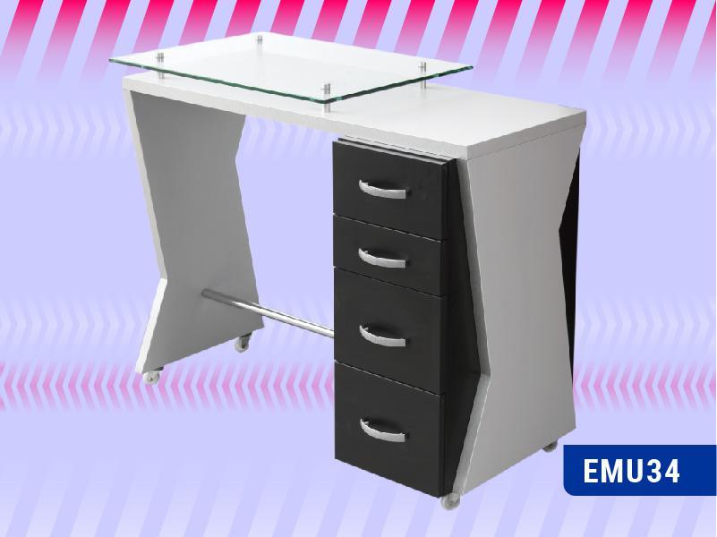 EMU34-Manicure-Patsy
